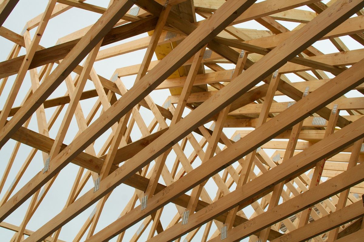 elementy składające się na więźbę dachową