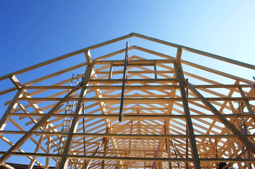 drewno budowlane jest czasem niezbędne